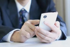 ビジネスシーンでのコミュケーションアプリの使用はアリ?ナシ?