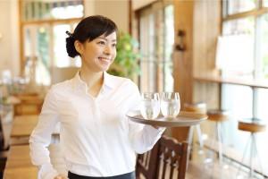 未経験からキャリアアップをしたい人が目指すべき「販売・サービス業界」の採用市場レポート